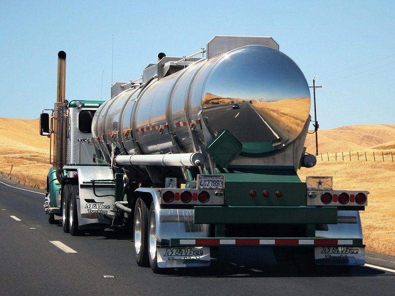 Nový způsob zachycování oxidu uhličitého dokáže snížit emise nákladních vozidel o 90 %