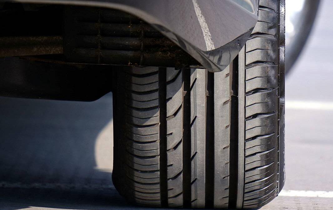 Studentský vynález z Británie významně sníží emise pevných částic z pneumatik