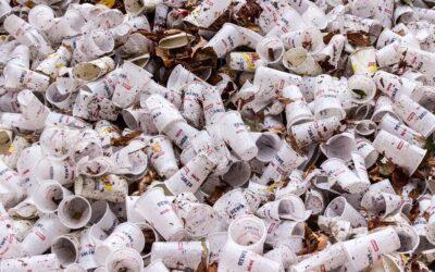 Přestaňme konečně stavět plastové Himaláje